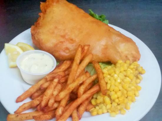 Ivory Tusk Tavern and Restaurant: Friday night Fried Fish and sides