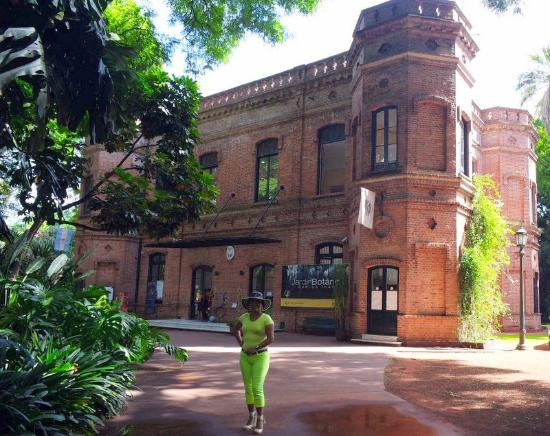 Edificio jardin picture of jardin botanico buenos aires for Hotel jardin botanico