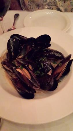 Cafe Zack: mussels appetizer