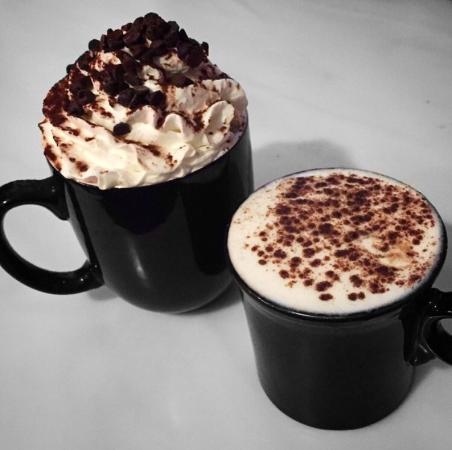 Sweet Creams Cafe: Hot Chocolate and Chai Latte