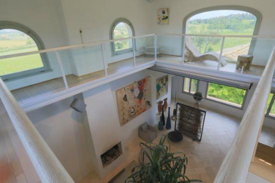 Siena House: The 1st and 2nd floor guest space - 30ft / 10m high celings