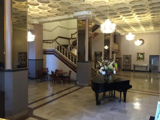 Bigelow Hotel and Residences, an Ascend Hotel Collection Member : Lobby of Ben Lomond Suites