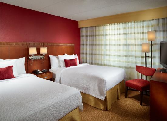 Courtyard Augusta: Guestroom Double Suite