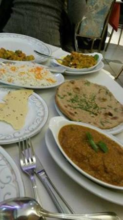 Gul: Rogan Josh, Reis, Naan, Chapati