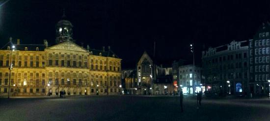 Piazza dam di notte picture of dam square amsterdam for Ostello amsterdam piazza dam