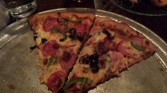 BEST WESTERN PLUS GranTree Inn: Pizza is great