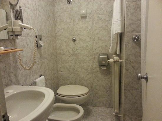 Hotel Gamma : Stanza singola, ma solo per un puffo...