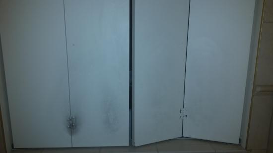 Hilton Garden Inn Panama City : magic eraser could've cleaned this
