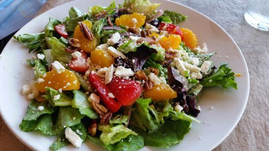 LongHorn Steakhouse: Strawberry Salad - Dynamite!