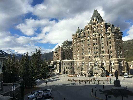 Fairmont Banff Springs Hotel Looking At Front Entrance