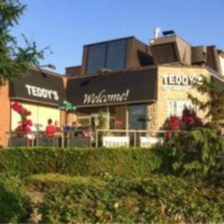 Teddy's Restaurant & Deli  |  245 King Street West, Oshawa, Ontario L1J 2J7, Canada
