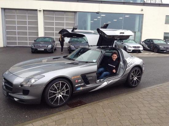 My day with lewis hamilton picture of mercedes benz for Mercedes benz brooklands