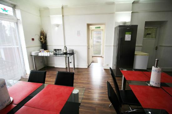 Norbury Apart Hotel Communal Lounge And Dinning Area