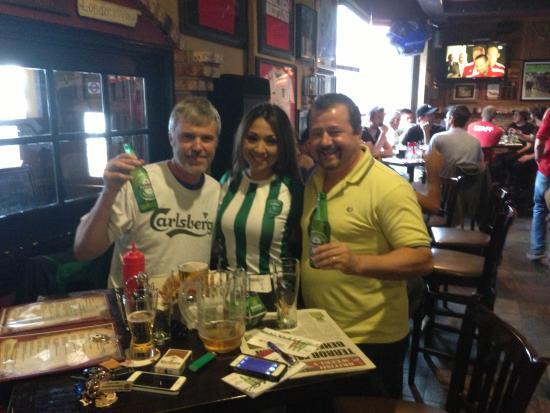 Crown & Anchor Pub: Visit of the Heineken Girls
