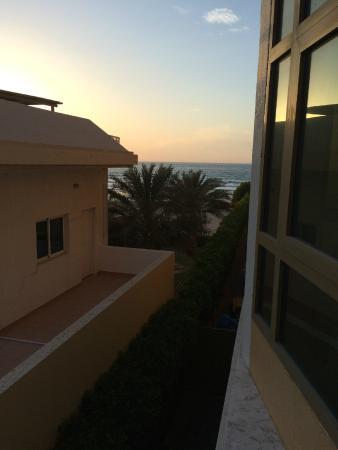 Royal Beach Resort & Spa: Вид с балкона
