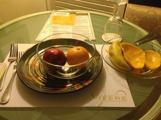Vivere Hotel : finished fresh mango instantly!!
