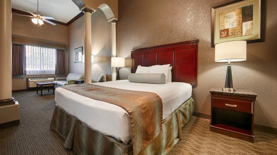 Best Western Plus Main Street Inn: Exterior Suite