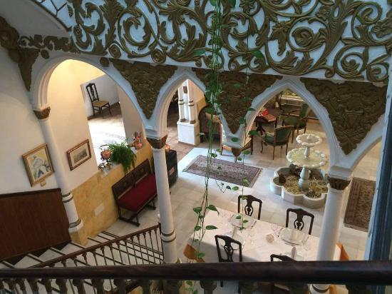 Casa Palaciega: The interior patio
