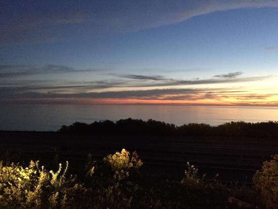 Holiday Inn Express Encinitas - Cardiff Beach Area: Our drive close by this beautiful view.