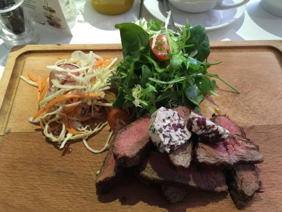 Star Bistro: Flat iron steak with slaw and salad