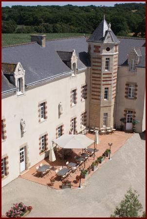 the 10 best restaurants near hotel le mur du roy sarzeau. Black Bedroom Furniture Sets. Home Design Ideas