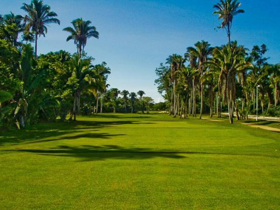 Litibu Golf Course: Nature at its best! No. 1 at Litibu.