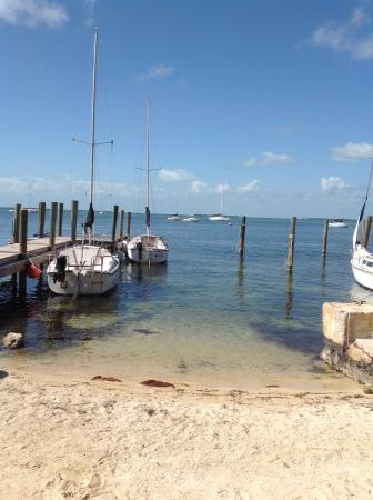Key Lime Sailing Club and Cottages : Looking out over Buttonwood Sound