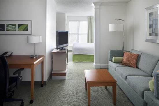 SpringHill Suites New Orleans Downtown/Convention Center: Guestroom Suite