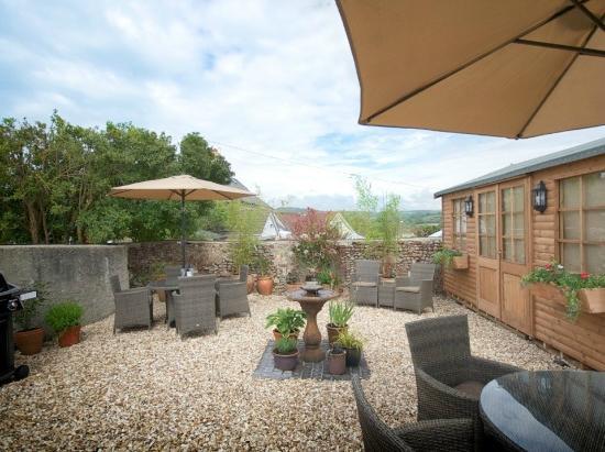 Colyford, UK: The garden
