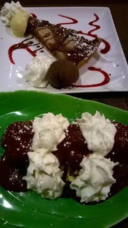 Le Rimbaud: Dessert de choux glace vanille délicieuse. Dessert maison