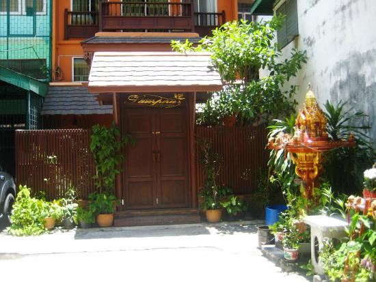 Lamphu Tree House: 2nd building/part of the hotel