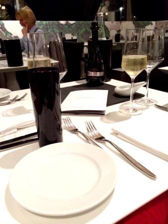 Brasserie Next Level : Table Set