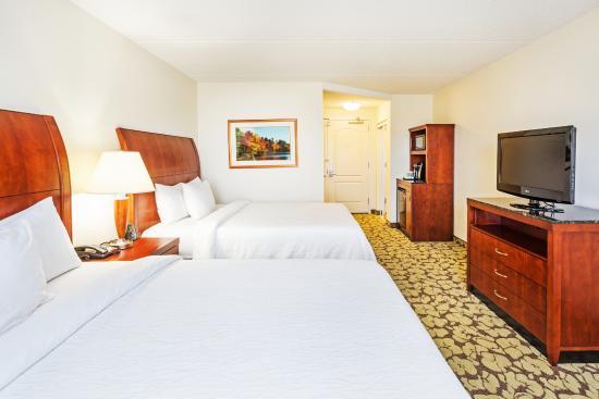 Hilton Garden Inn Myrtle Beach/Coastal Grand Mall: 2 Queen Beds Guest Room