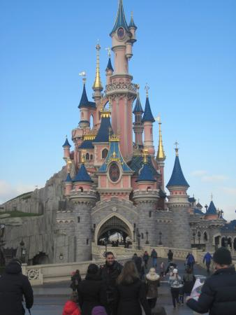 Chateau de princesse photo de parc disneyland marne la for Image chateau princesse