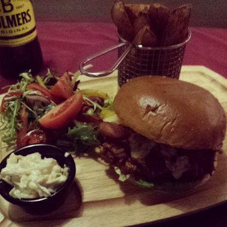 Kelsall, UK: This is a picture of the pulled pork burger I had once. It was delicious.