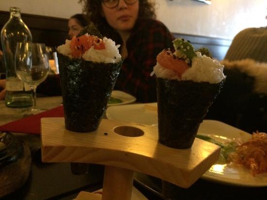 Fuji: Temaki salmone