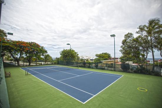 Simpson Bay Resort & Marina: Tennis courts