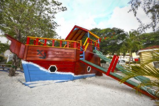 Simpson Bay Resort & Marina: Playground
