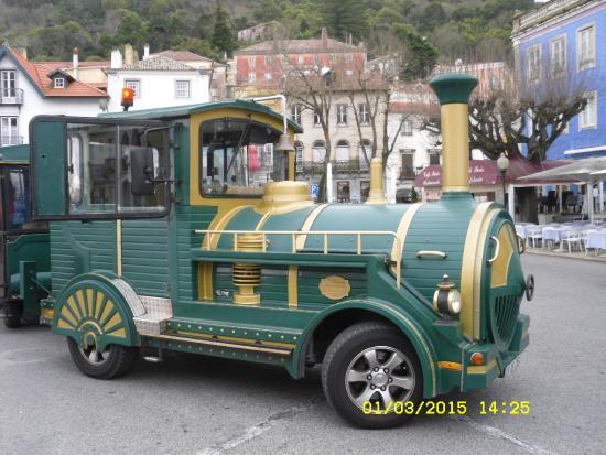 Train Touristique de Sintra : Maquina del tren turistico en Sintra