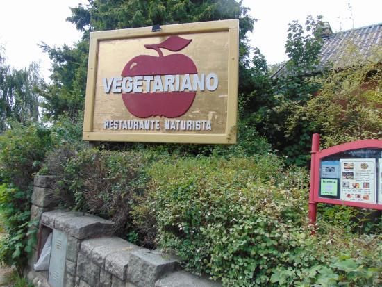 El Vegetariano: Cartel del restaurante.