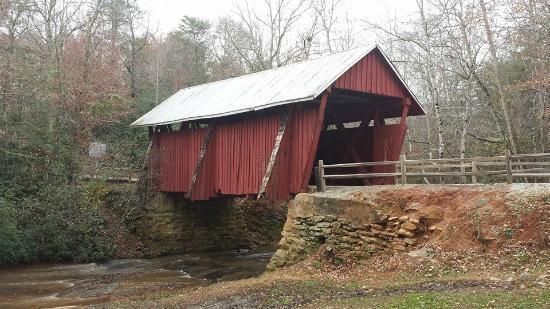 Campbell's Covered Bridge: bridge