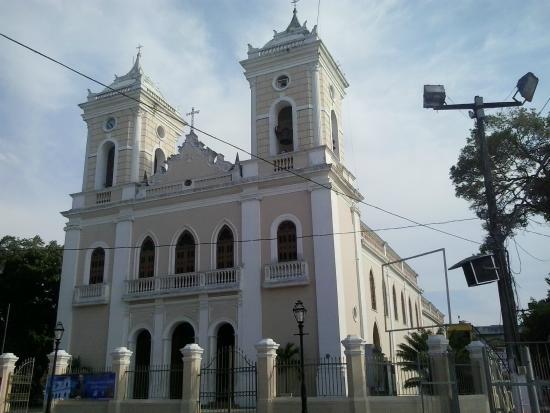 Feira de Santana, BA: Paróquia da Catedral Metropolitana de Sant'Ana.