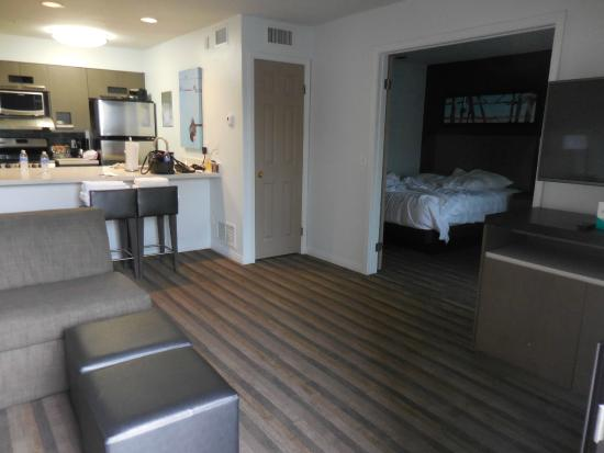 HYATT house Cypress/Anaheim : roomy