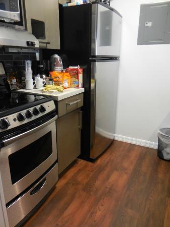 HYATT house Cypress/Anaheim: kitchen