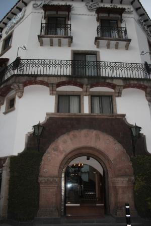 Hotel Maria Cristina: Exterior of hotel