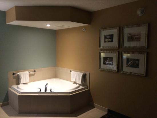 Holiday Inn Eugene - Springfield: Wonderful Jacuzzi