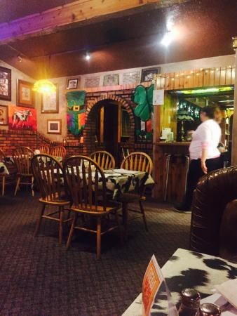 Casey's Cowtown Club: Inside on paddys day