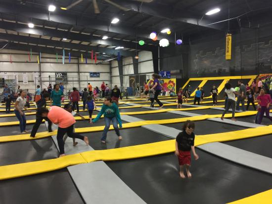 ‪Plex HiWire Family Fun & Sports Center‬