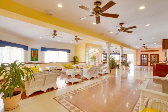 BEST WESTERN Belize Biltmore Plaza Hotel: Lobby
