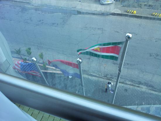 Wyndham Garden Paramaribo: Flags From Room